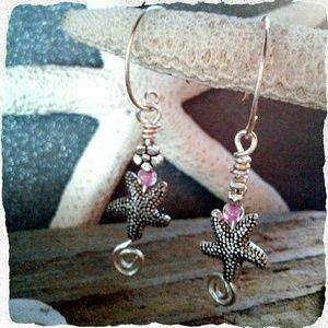 Handcrafted Jewelry - ⭐ ANTIQUED SILVER STARFISHY EARRINGS ⭐